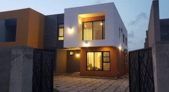 FOUR BEDROOM HOUSE FOR SALE IN AIRPORT HILLS