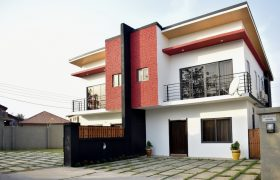 3 BEDROOM HUSE FOR SALE AT DOME