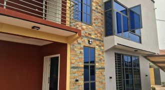 4 Bedroom House At Lakeside For Sale